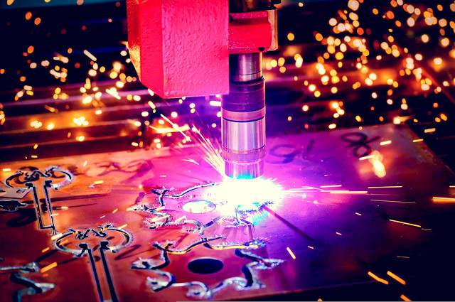 Rise of laser engraving image by Andrey Armyagov (via Shutterstock).